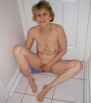 Marie-philomene asian erotische massage in Bellheim, RP