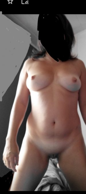 Alyha asian escort Hünfeld, HE